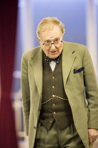 Robert Hardy in rehersals for The Audience. Photo Johan Persson