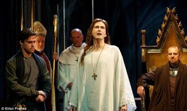 Richard II. L to R: Oliver Rix (Aumerle), Jim Hooper (Bishop of Carlisle), Keith Osborn (Abbot), David Tennant (Richard II), Nigel Lindsay (Bolingbroke). Photo Elliot Franks.